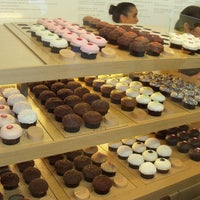 Photo taken at Sprinkles Cupcakes by Caitlin C. on 2/10/2013