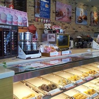 Photo taken at Dunkin' Donuts by Te Re Sa L. on 2/17/2013