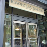 Photo taken at Magnolia Bakery by Jocelle H. on 5/4/2012