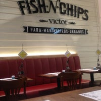 Photo taken at Victor Fish 'n' Chips by Carolina S. on 6/5/2013