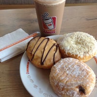 Photo taken at Dunkin' Donuts by Haris S. on 11/7/2016