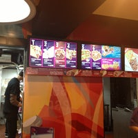 Photo taken at Taco Bell by Maria L. on 3/30/2013