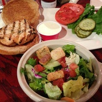 Photo taken at Red Robin Gourmet Burgers by Jesika R. on 2/20/2013