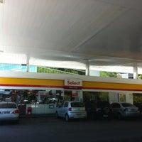 Photo taken at Select Alto do Itaigara by Dundun C. on 2/16/2013