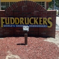 Photo taken at Fuddruckers by Garvin W. on 7/18/2013