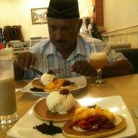Photo taken at Mr. Pancake by Rasmin T. on 12/11/2012