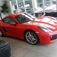 Photo taken at Reeves Porsche by Zaqueray B. on 10/21/2013