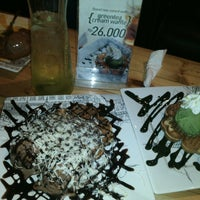 Photo taken at Stove Syndicate (Coffee & Waffle) by Andi Aulia R. on 11/8/2015