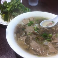 Photo taken at Hien Vuong Restaurant by Stanley H. on 3/27/2013