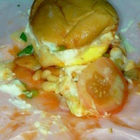 Photo taken at Burger Pian by Cik_noR on 11/13/2013