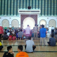 Photo taken at Masjid Agung Jawa Tengah (MAJT) by Dias P. on 8/26/2016
