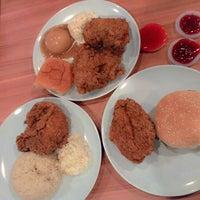 Photo taken at KFC by Rifhannisa A. on 11/14/2014