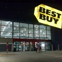 Photo taken at Best Buy by Kenneth H. on 8/24/2013