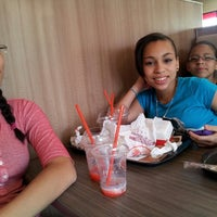 Photo taken at Burger King by Analie S. on 5/4/2013