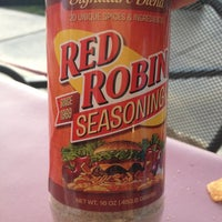Photo taken at Red Robin Gourmet Burgers by Shaylee C. on 6/28/2013