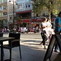Photo taken at Starbucks by Atakan K. on 7/18/2013