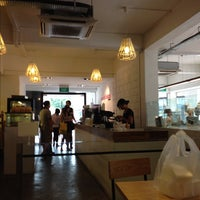 Photo taken at Mooshi Bakes by ,7TOMA™®🇸🇬 S. on 10/14/2012