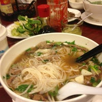 Photo taken at Phở Sinh by Weera S. on 3/10/2013