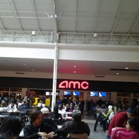 Photo taken at AMC Chicago Ridge Mall 6 by Jason U. on 5/25/2013