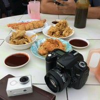 Photo taken at Firdausy Seafood Corner by Adzrul H. on 8/6/2016