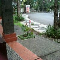 Photo taken at Gazebo Fakultas Teknologi Pertanian UB by Maulida A. on 1/15/2012