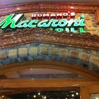 Photo taken at Macaroni & Grill by Eduardo R. on 5/12/2012