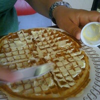 Photo taken at Waffle House by MsRC on 8/27/2011
