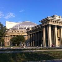 Photo taken at Новосибирский государственный академический театр оперы и балета by Юля on 8/21/2012