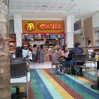 Photo taken at Giraffas by Orlanci J. on 4/26/2012