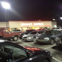 Photo taken at Giant Eagle Supermarket by Scooter F. on 10/4/2012