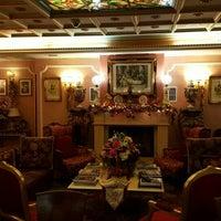 Photo taken at Hotel Vittoria by Shto Y. on 11/25/2015