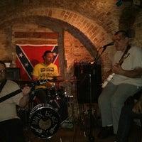 Снимок сделан в Blues Bar пользователем Vladimir M. 5/11/2013