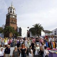 Photo taken at Mercadilllo de Teguise by Alby R. on 3/23/2013