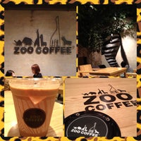 Photo taken at ZOO COFFEE by Veronica L. on 7/24/2013