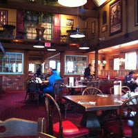 Photo taken at Mimi's Cafe by Leonardo T. on 6/24/2013