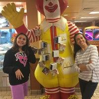 Photo taken at McDonald's by Leonardo T. on 5/20/2014