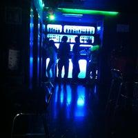 Foto tomada en 42nd Street Bar & Coffee por Salvador G. el 6/12/2013
