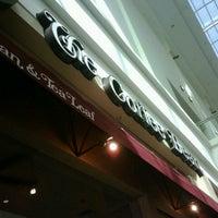 Photo taken at The Coffee Bean & Tea Leaf by Ammat Grimlock on 12/26/2012