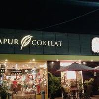 Photo taken at Dapur Cokelat by Diah N. on 12/16/2014