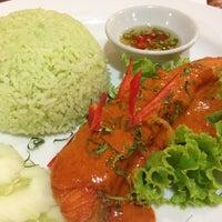 Photo taken at Viva Restaurant by Aung I. on 8/22/2013