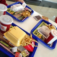 Photo taken at Burger King by Sewin❗️ on 4/6/2013