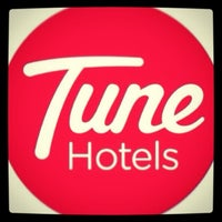 Photo taken at Tune Hotels Westminster by Sadan G. on 9/17/2013