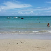 Photo taken at Isla Verde Beach - Balneario Isla Verde (La Playa) by Lissbeth L. on 8/18/2013