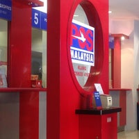 Photo taken at Post Office Klang by Umie_ L. on 6/14/2013