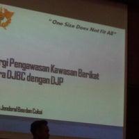 Photo taken at KPP Bea dan Cukai Tipe Madya Pabean Tangerang by Henang F. on 2/18/2015
