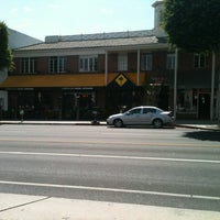 Photo taken at California Pizza Kitchen at Beverly Hills by Craig S. on 8/3/2013