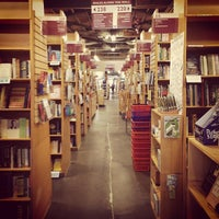 Photo taken at Powell's Books on Hawthorne by Jesse B. on 2/19/2015