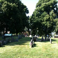 Photo taken at Copp's Hill Burying Ground by Alex S. on 7/8/2013