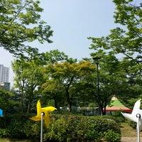 Photo taken at 삼성생명 휴먼센터 by Hyemi H. on 5/29/2014