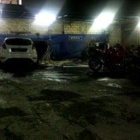 Photo taken at Kilap 2 oto spa by Annisa'a M. on 11/4/2012
